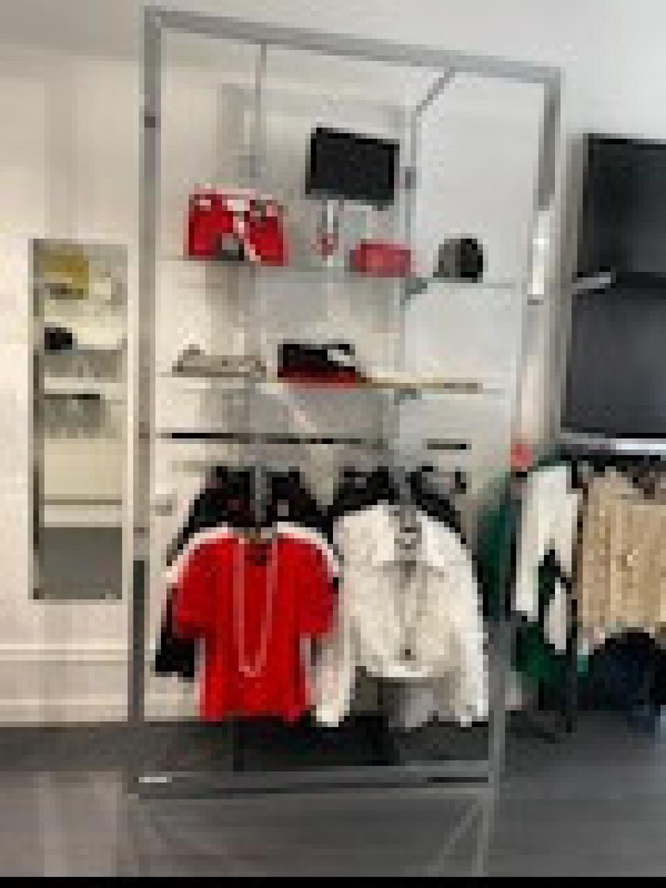 Fond de commerce prêt à porter féminin, accessoires, maroquinerie.
